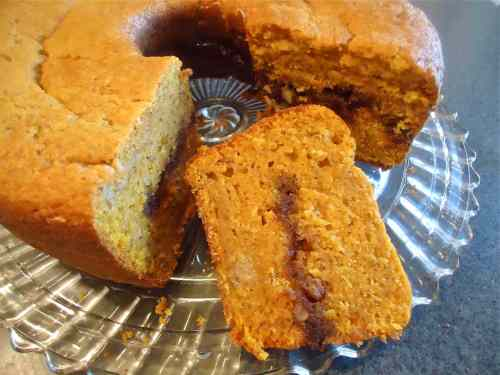 pumpkin bread with pecan rum streusal